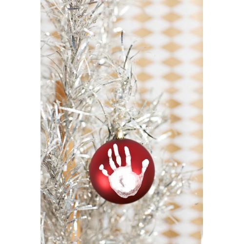 Boule de Noël avec empreintes